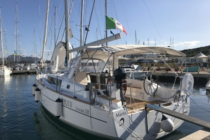 Charter Sailboat BENETEAU OCEANIS 38 Portisco