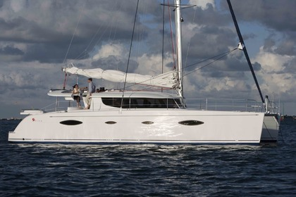Charter Catamaran FOUNTAINE PAJOT SALINA 48 Cogolin