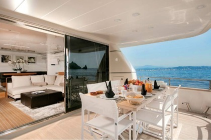Location Yacht SAN LORENZO 72 Cannes