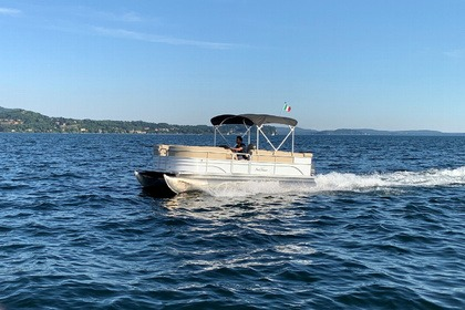 Rental Motorboat Sunchaser PARTY BOAT LUXURY 10 PAX Verbania