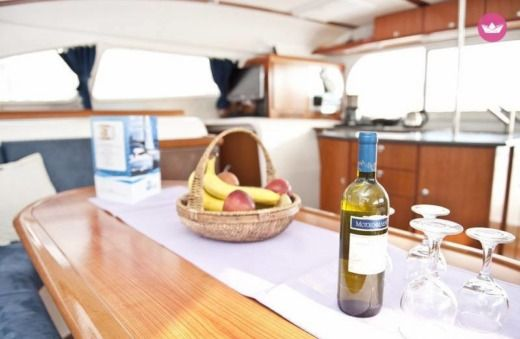 Charter catamaran in Alimos peer-to-peer