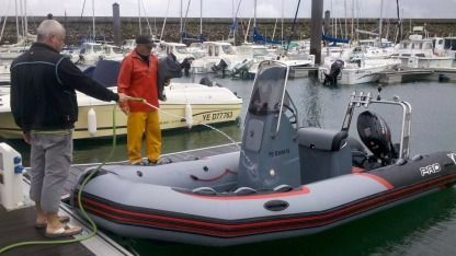 Location Semi-rigide Zodiac Pro Racing 5.50 Île d'Yeu