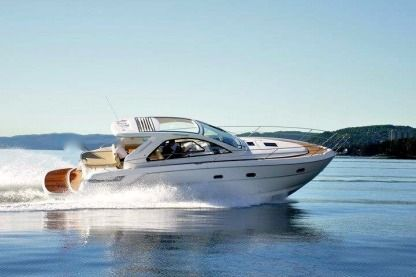 Rental Motorboat Bavaria 38 Ht Cannes