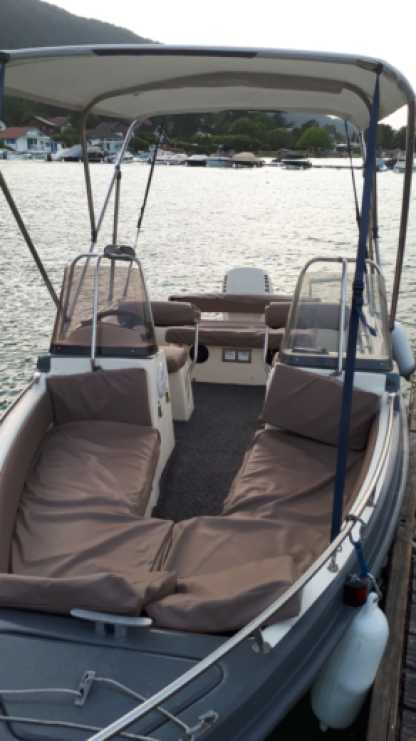 Charter Motorboat Ultramar Ultra 470 Open Lake Geneva