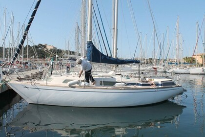 Charter Sailboat YACHTING FRANCE FANDANGO Six-Fours-les-Plages