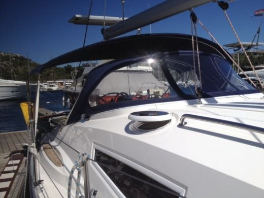 Sailboat ELAN 344 Impression for hire