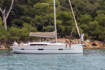 Charter Sailboat DUFOUR 460 Piraeus