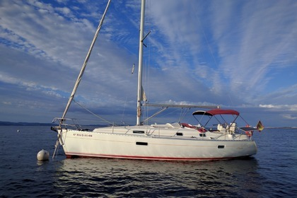 Rental Sailboat BENETEAU OCEANIS CLIPPER 361 Barcelona