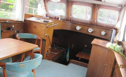 Motorboat Super Van Craft 13.80 for hire