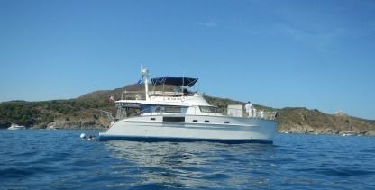 Charter Motorboat Fountaine Pajot Cumberland 44 Canet-en-Roussillon