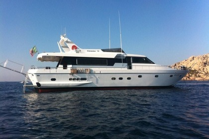 Charter Motor yacht CANTIERE CANADOS 75s Fiumicino