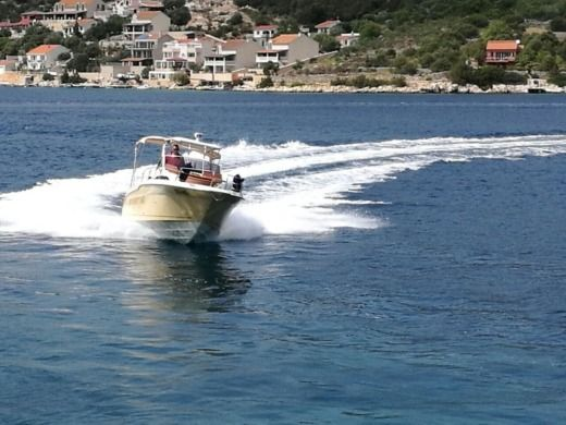 Rental motorboat in Split