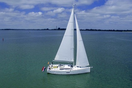Rental Sailboat DUFOUR 360 GL Furnari