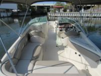 Motorboat Sea Ray Sundeck for hire