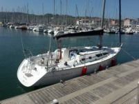 Jeanneau Sun Fast 37 in Hendaye for rental