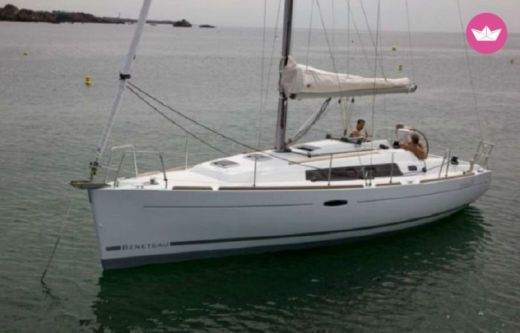 Sailboat Beneteau Oceanis 34