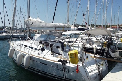 Charter Sailboat BENETEAU FIRST 35 Murter