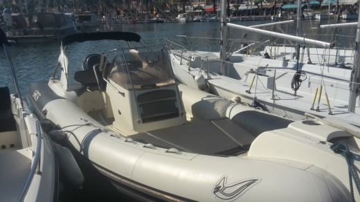 Charter rIB in Bandol peer-to-peer