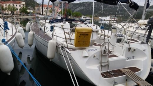 Sailboat JEANNEAU Sun Odyssey 43 for hire