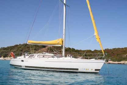 Rental Sailboat Kirie Feeling 10.90 Le Lavandou
