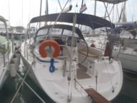 Sailboat Bavaria 37