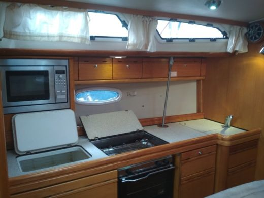Rental Sailboat Bavaria 40 Cruiser Lavrio