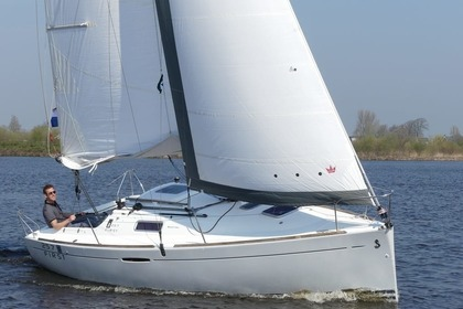Rental Sailboat Beneteau First 25.7 Sneek