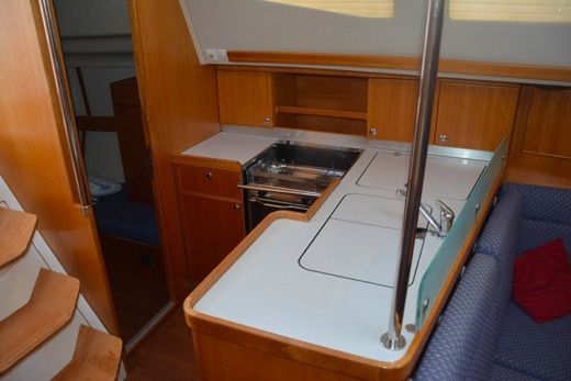 Sailboat Elan ELAN 384 Imp. peer-to-peer