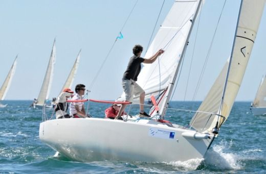 Sailboat Voile Sportive J80