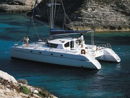 Charter Catamaran Fountaine Pajot Belize Cat 43 Lefkada