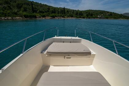 Charter Motorboat QUICKSILVER 675 Activ Open Split
