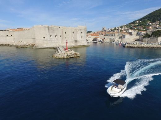 Jeanneau Cap Camarat 6.5 Cc in Dubrovnik for hire