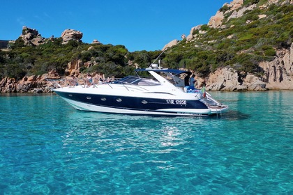Hire Motorboat SUNSEEKER Camargue Cannigione