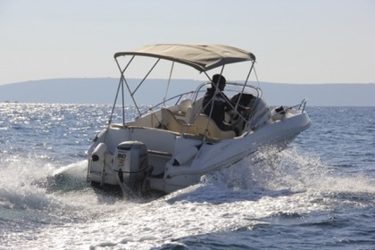 Hire Motorboat BENETEAU FLYER 550 Trogir