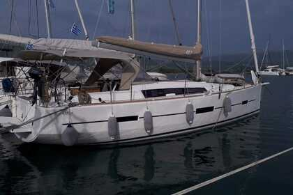 Hire Sailboat DUFOUR DUFOUR 412 Taranto