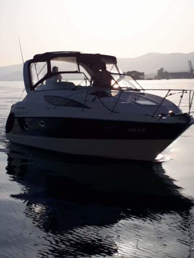 Bayliner 285 Ciera Cruiser in Split for hire