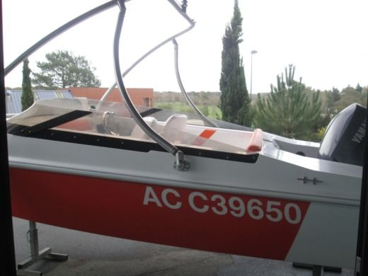 Motorboat ETS BAT O GONZALVES SPORT 186 for hire