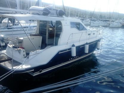 Rental Motorboat Vektor 950 Krk