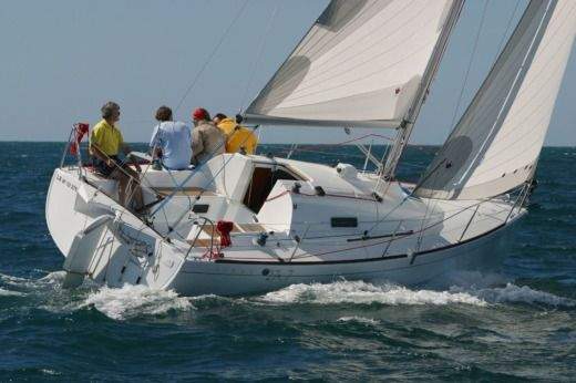 Sailboat Beneteau First 27.7 for hire