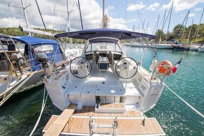 Hire Sailboat BENETEAU 41 Zaton