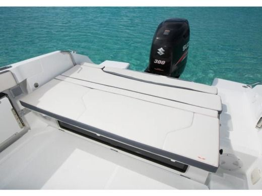 Motorboat Beneteau Flyer 7.7 Spacedeck for hire