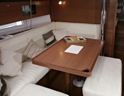 Dufour 375 GL Camargue in Port-Camargue peer-to-peer