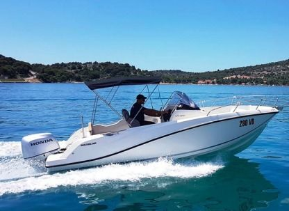 Rental Motorboat Quicksilver 675 Open Sport Tisno