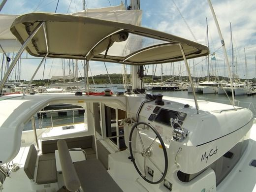 Catamaran Lagoon 39 for rental
