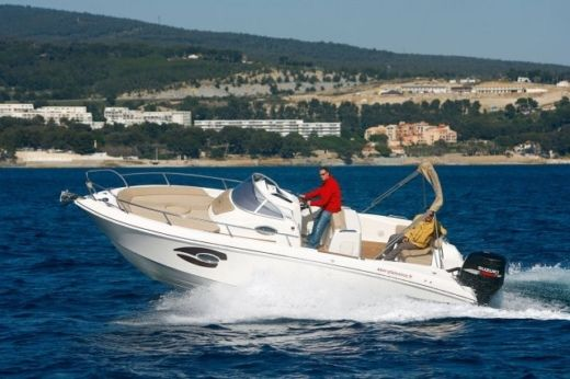 Mano Marine 24.9 in Barcelone for hire