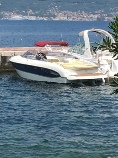 Motorboat Cranchi Cls 27 for rental