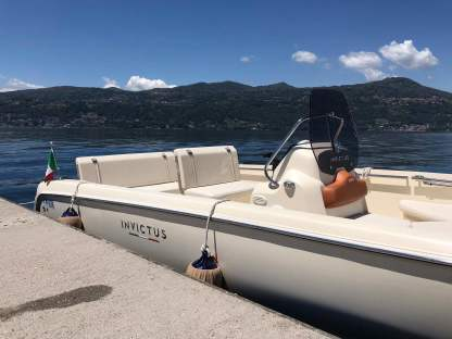 Rental Motorboat Invictus 190 Fx Ranco