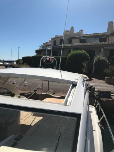 Motorboat Sessa Marine C38 - Hard-Top for hire