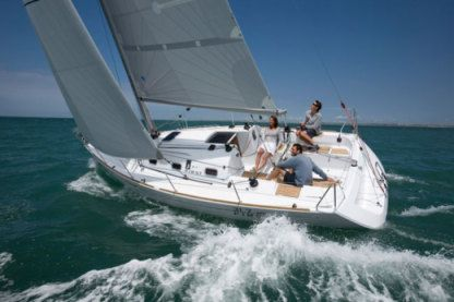 Rental Sailboat Beneteau First 31.7 La Rochelle