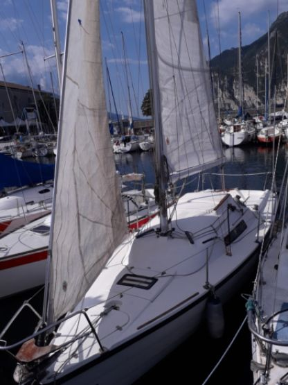 Rental Sailboat Farr 750 Riva del Garda